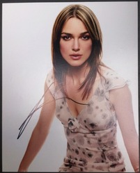 Keira Knightley Signed Posed 10x8 Photo